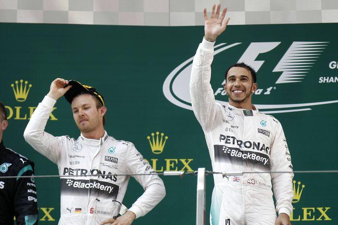 Nico Rosberg en Lewis Hamilton als Mercedes-teamgenoten in 2015.