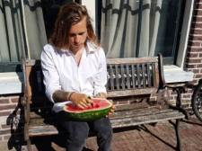 Fruitariër Mees (23) eet wekenlang alleen maar meloenen