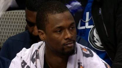 Ophef in NBA nadat transfer tíjdens match wordt beklonken: speler zonder pardon naar de kant, LeBron roert zich