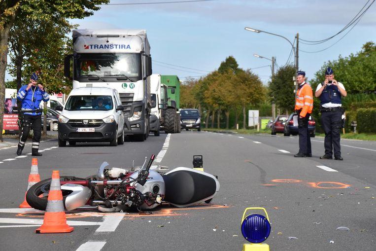 Het ongeval gebeurde op de Ruiseleedsesteenweg.