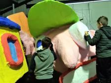 Carnavalswagens jeugd Waoterrijk bijna klaar: 'als je ziet wat ze bouwen, ongekend'