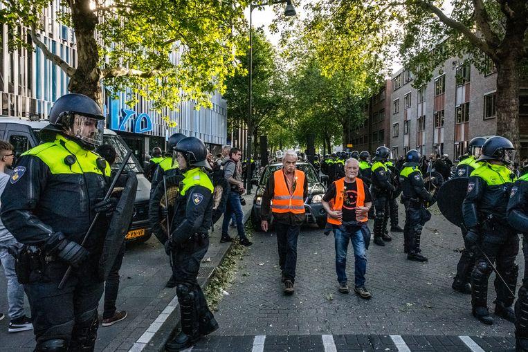 Een Pegida-betoging eind mei moest door de politie worden beëindigd toen tegendemonstranten rellen veroorzaakten in Eindhoven. Beeld Hollandse Hoogte / Rob Engelaar