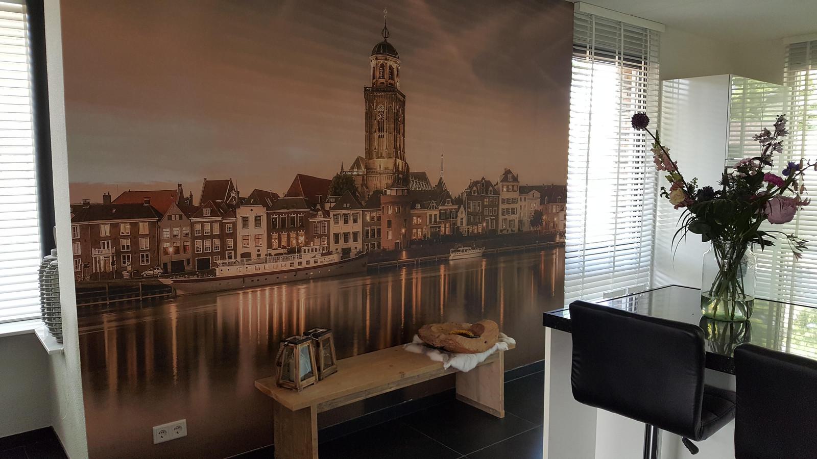 Anita Stockschen stuurt een foto zonder woorden. Het is zo ook wel duidelijk dat haar liefde voor de Deventer skyline groot is.