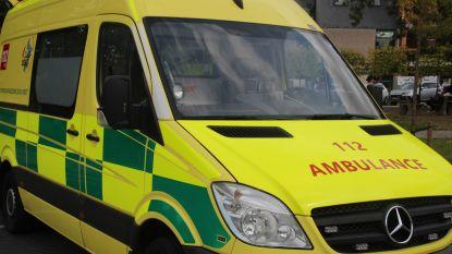 Fietser (14) gewond na aanrijding door auto