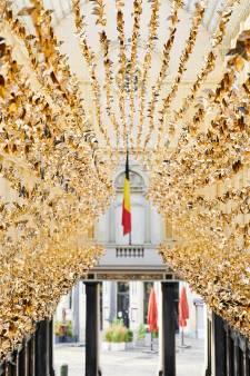 Un parcours d'origamis fait scintiller le centre de Bruxelles