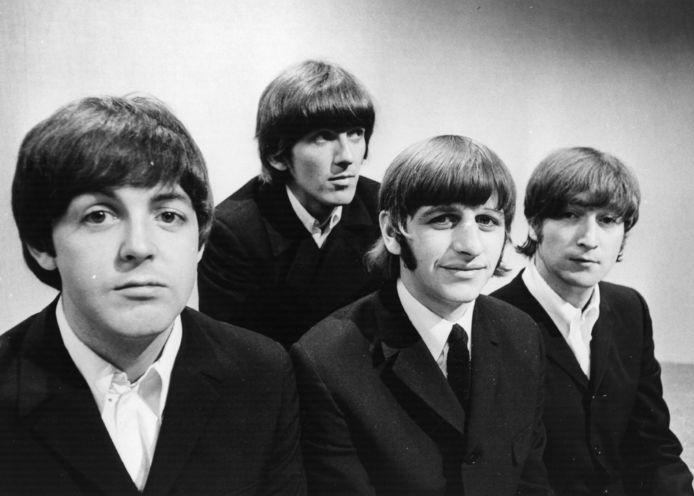 De vier leden van de Beatles in 1966: v.l.n.r. Paul McCartney, George Harrison, Ringo Starr en John Lennon.