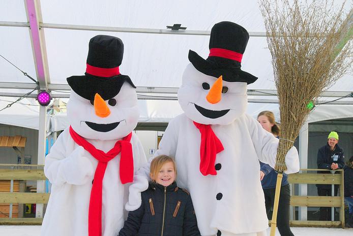 Op de foto met de sneeuwman(nen) op Winter festijn