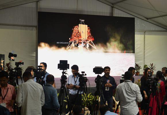 De verwachtingen waren hooggespannen in India, maar het lijkt erop dat de landing van Chandrayaan-2 is mislukt.