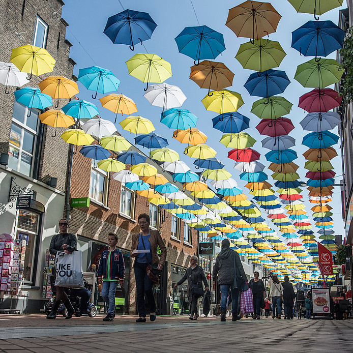 In Oosterhout is al eens geëxperimenteerd met het afdekken van straten in de binnenstad.