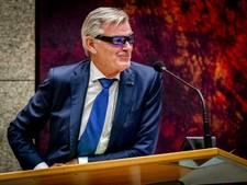 LIVE: Van Rooijen praat al drie uur, maar stem begint te haperen