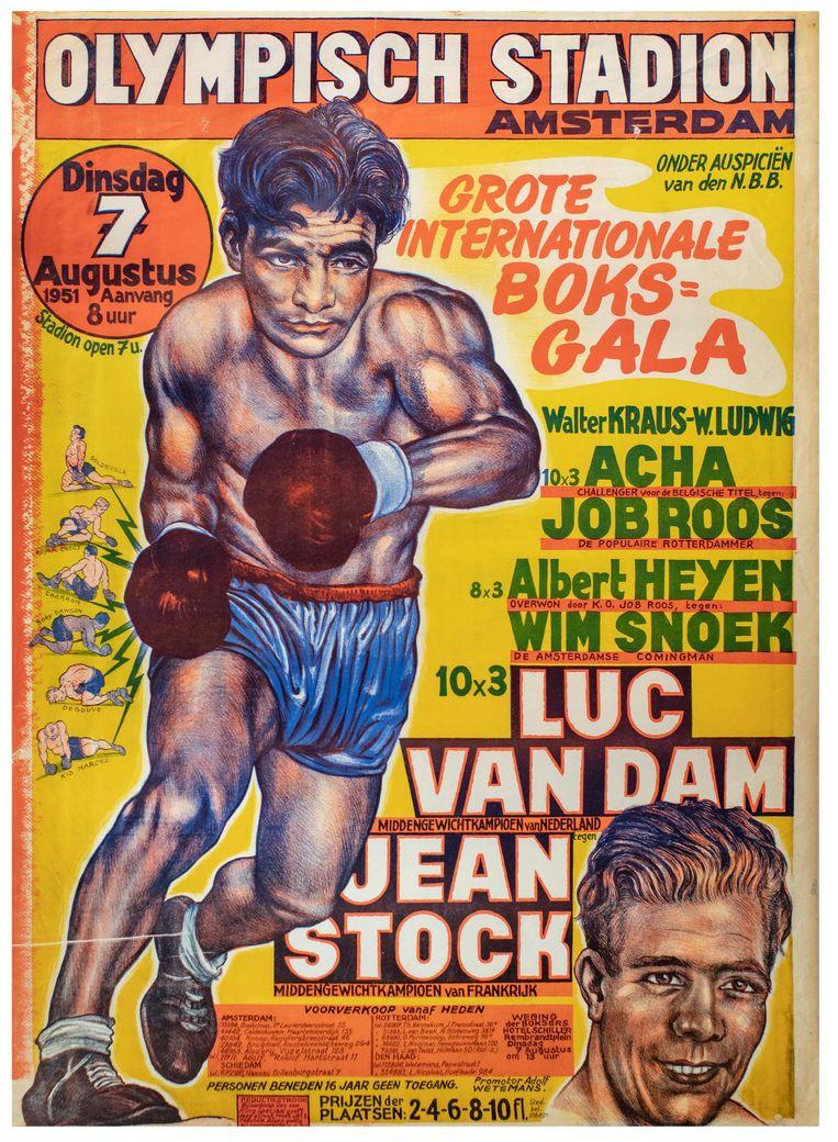 Het archief van het in 1928 geopende Olympisch Stadion bevat onder meer 1700 posters van voetbal- en bokswedstrijden van voor, tijdens en na de oorlog, zoals een poster van de afscheidswedstrijd van Johan Cruijff tijdens de wedstrijd tegen Bayern München in 1980. Hiernaastj een aankondigingsposter uit 1951 van een internationaal boksgala met de Nederlandse bokser Luc van Dam en zijn Franse collega Jean Stock Beeld Bas Uterwijk
