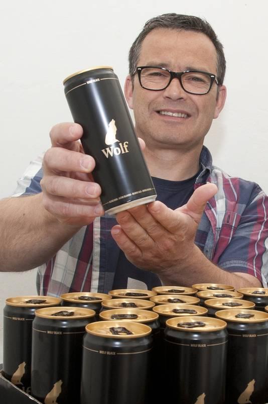 Peter Van der Borght van Wolf ziet het dan weer groots. De brouwerij stelt vandaag haar nieuwe pils voor: Wolf Black.