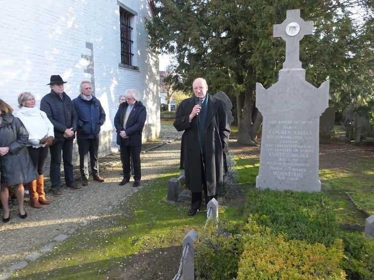 In naam van de familie gaf Karel Meganck, de schoonzoon van Raf Van den Abeele een toespraak aan het graf van Albijn.