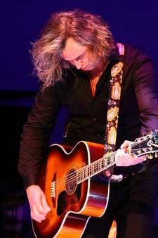 Verloren gitaar Erwin Nyhoff terecht