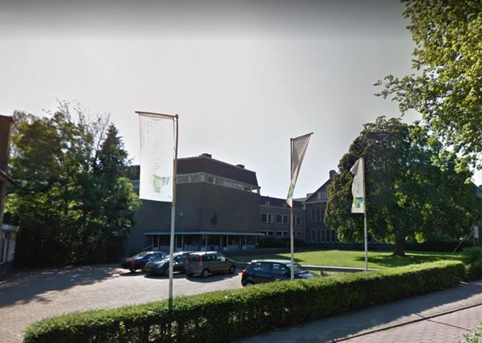 Het Theater Harderwijk moet een nieuwe ingang krijgen voor vrachtwagens die komen laden en lossen.