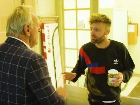 Tim Hofman als rode lap voor huisbaas: Ik sla je door de straat