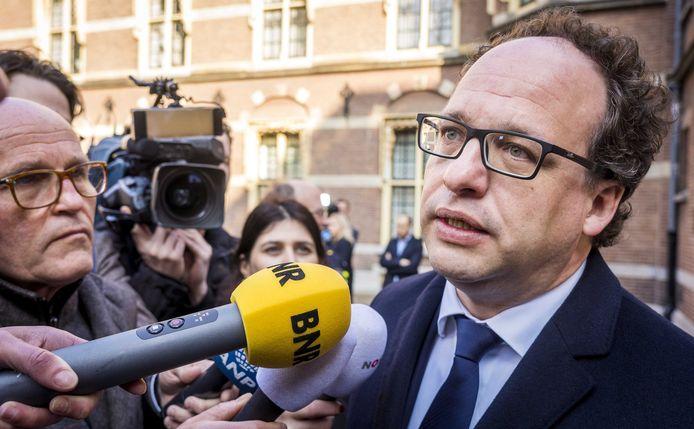 Minister Koolmees (Sociale Zaken) bij aankomst op het Binnenhof voor de wekelijkse ministerraad