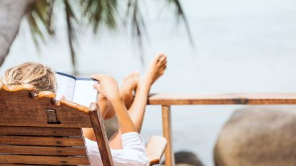 7 boeken om bij weg te dromen op vakantie