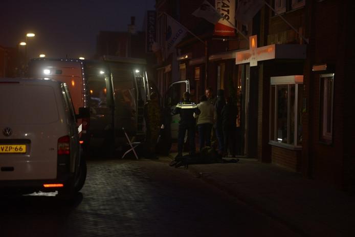 Explosief gevonden bij fietsenwinkel in Dinteloord.