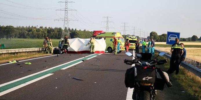 Ravage op de N34, vorig jaar bij Emmen. Volgens het Openbaar Ministerie is een man uit De Krim schuldig aan dit doddelijk ongeval.