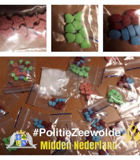 Politie Zeewolde: 'Gelukkig vinden wij deze 200 xtc-pillen en niet kinderen'