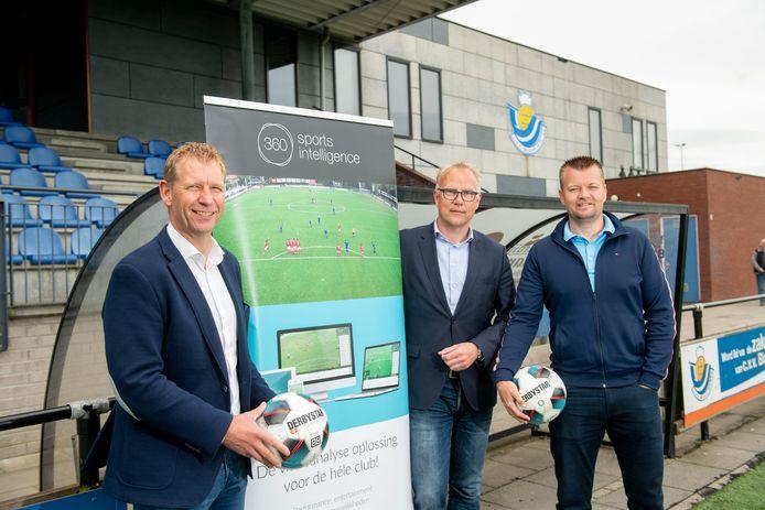 Commercieel manager Henk Bloemers (links) van De Graafschap.