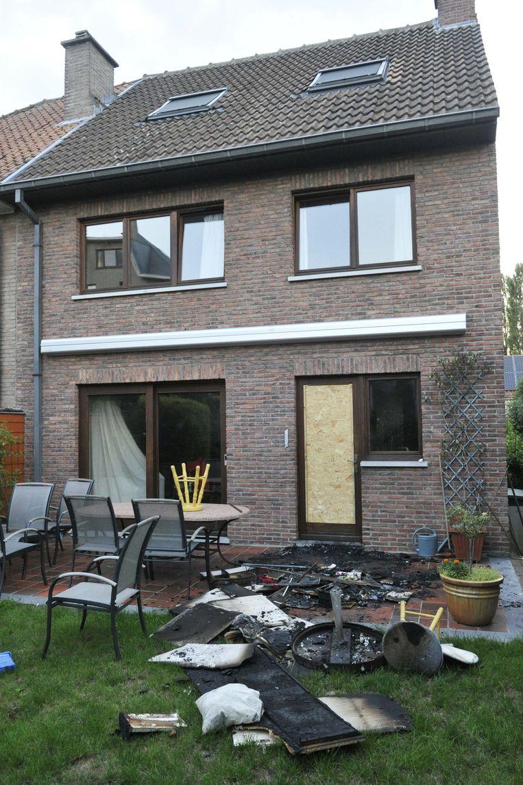 Broodrooster vat vuur huis onbewoonbaar meise regio hln for Mobiele woning in de tuin