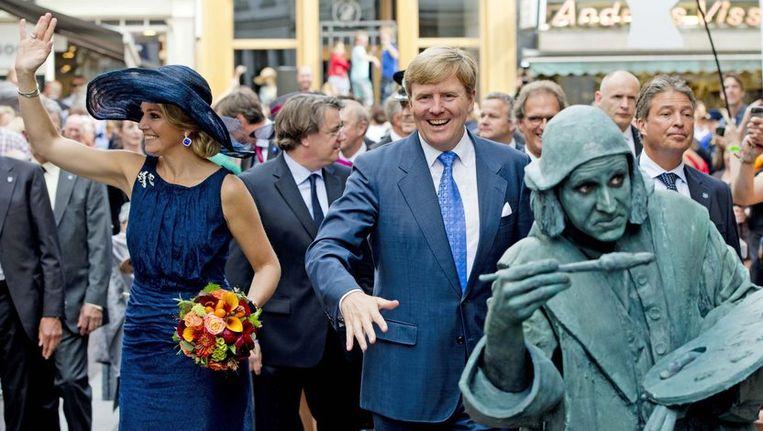 Koning Willem-Alexander en koningin Maxima tijdens hun bezoek aan Noord-Brabant. Beeld anp