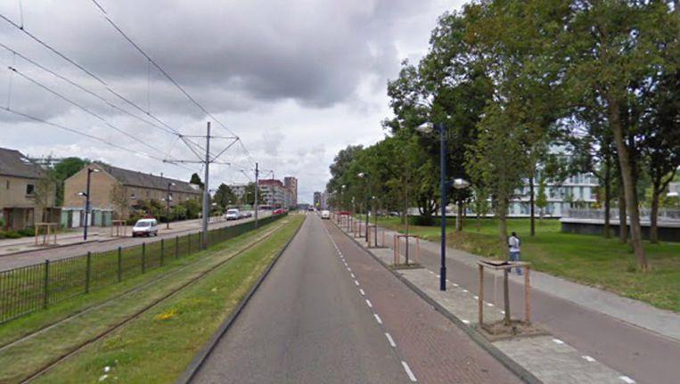 De overval vond plaats op de Pieter Calandlaan. Beeld Google Maps