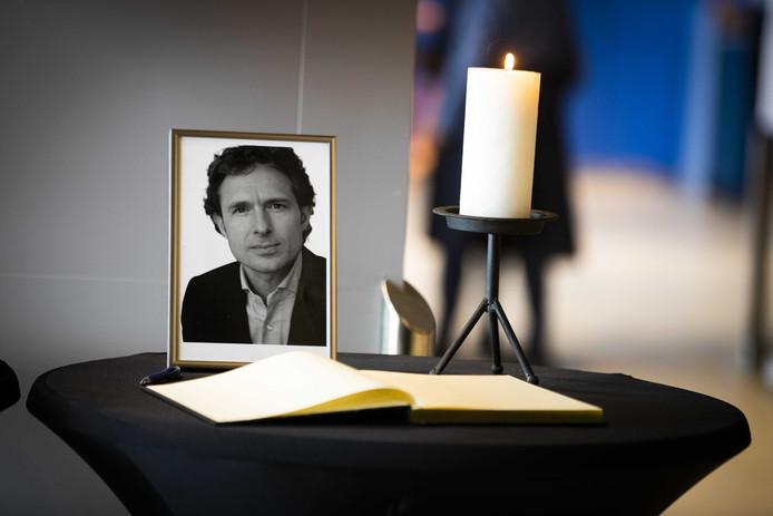 Bij de vergadering van de Orde van Advocaten werc een minuut stilte gehouden voor doodgeschoten advocaat Derk Wiersum