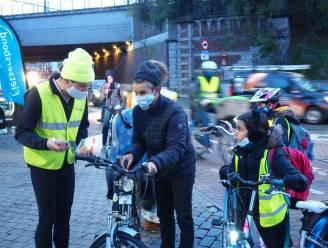"""Fietsersbond en AXA verlichten onverlichte fietsers: """"Laat je zien!"""""""