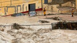 Extreme neerslag in Spanje eist vijfde dode, honderden honden en katten dreigen te verdrinken
