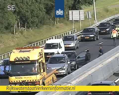 Eerste ongeluk op de A58 van Eindhoven naar Tilburg.
