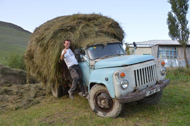Dominiek in Azerbeidzjan. Toen hij daar op reis ging, was het oogstseizoen.