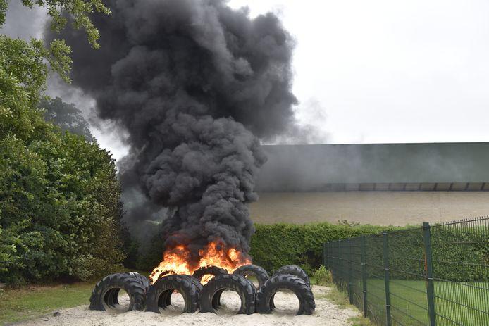 Telkens zijn er vernielingen op het trimparcours in Vriezenveen. Nu moesten trekkerbanden eraan geloven.