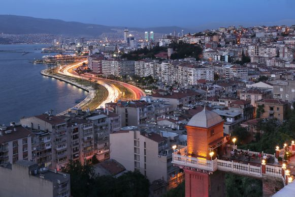 De Turkse stad Izmir