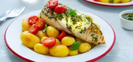 Wat Eten We Vandaag: Kipfilet caprese met krieltjes