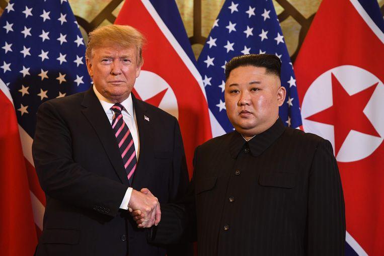 In hoofdstad Hanoi is de tweede topontmoeting tussen Amerikaans president Donald Trump en de Noord-Koreaanse dictator Kim Jong-un van start gegaan.