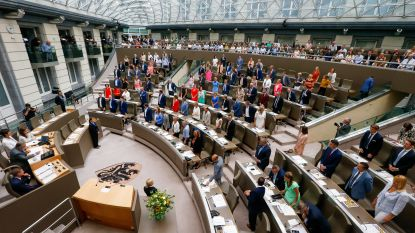 Vlaamse Parlementsleden leggen de eed af, Almaci gebruikt bewust foute formule