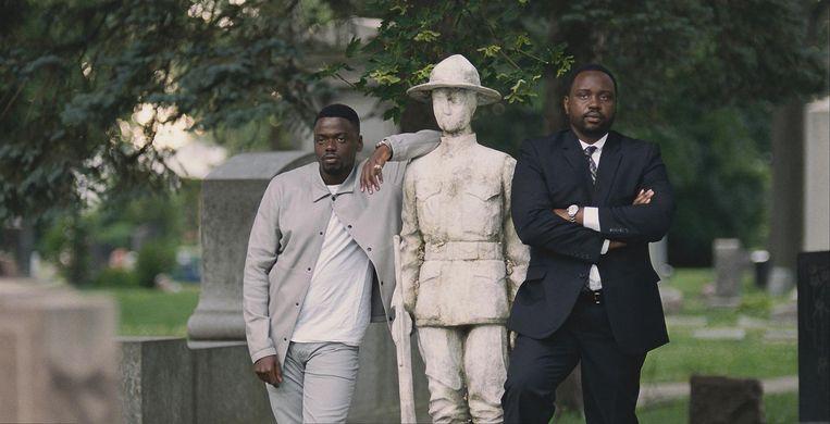 Daniel Kaluuya (links) en Brian Tyree Henry in Widows.  Beeld