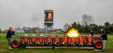 Als het aan PvdA en GroenLinks ligt worden de carbidbussen in Twenterand kleiner