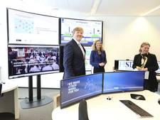 Willem-Alexander neemt kijkje bij The Hague Security Delta