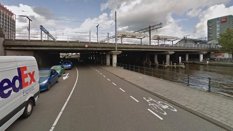 De onderdoorgang bij de Droogbak; nu nog berucht onder touringcars en vrachtwagens Beeld Google Streetview
