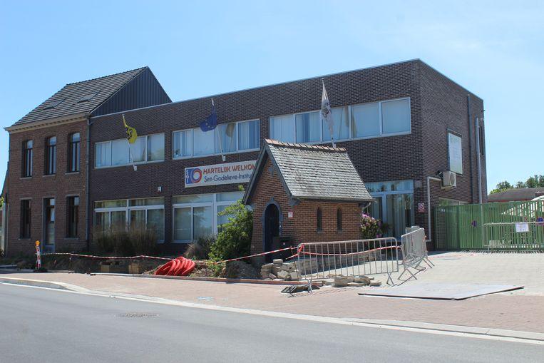 In de katholieke school Sint-Godelieve in Lennik werd een klas in quarantaine geplaatst.
