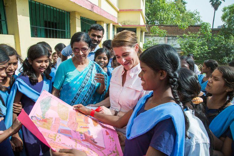 Melinda Gatesbij een meisjesschool in India. Beeld