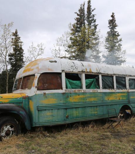 Vijf gewonde wandelaars gered in Alaska na bezoek aan beroemde filmbus