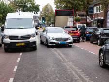 Leusderweg nog steeds een verkeerschaos: 'Er gebeuren weinig ongelukken, omdát het zo druk is'