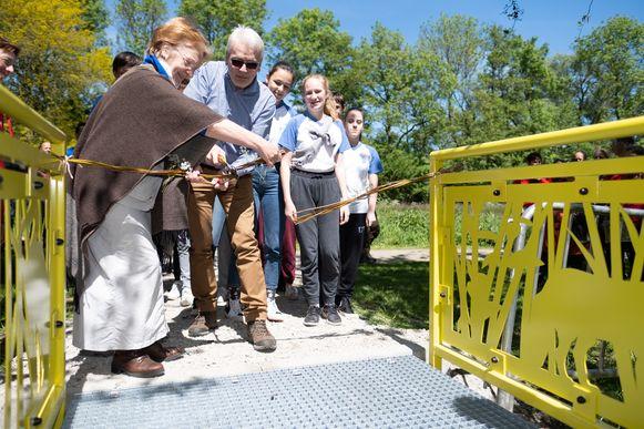 Feestelijke opening van de Wilgernis in het Mechelse Vrijbroekpark.  Jan De Haes en Sonja Deneve knipten het 'lint' met een snoeischaar.