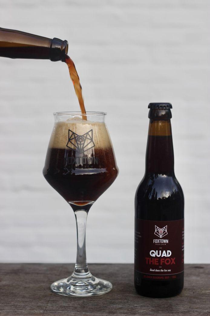 Het nieuwe bier van Foxtown Beercrew is een zware maar erg smaakvolle quadruppel geworden.