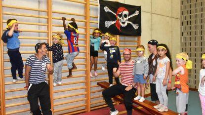 Kleuters sporten zich een weg naar piratenschat